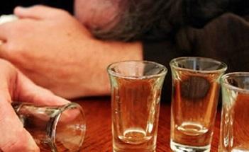 Алкогольный делирий, что это такое: симптомы, последствия и лечение