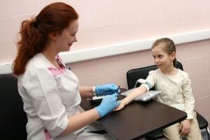 Почему лейкоциты в крови у ребенка понижены