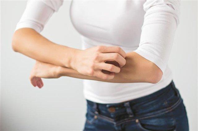 Чем лечить почесуху у взрослых в домашних условиях