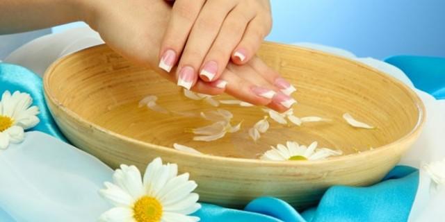 Что делать, если слоятся ногти на руках: способы лечения в домашних условиях