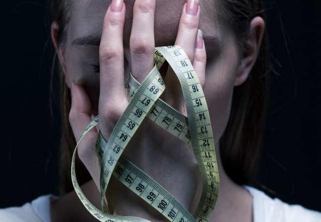 Анорексия у девушек: фото, первые признаки и варианты лечения